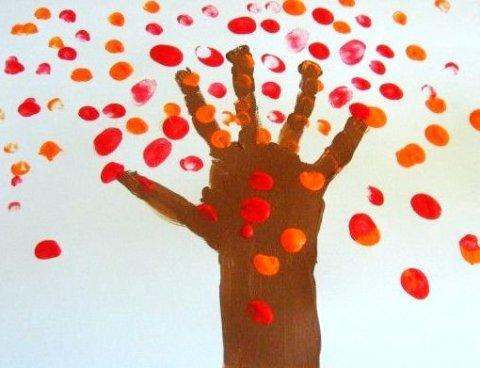 как вместе с ребенком нарисовать осеннее дерево пальчиковыми красками