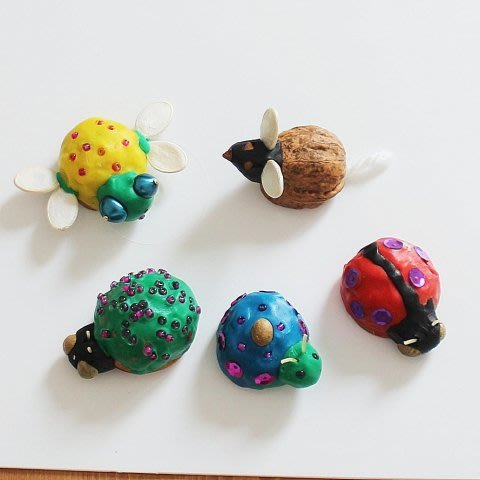 Make bugs out of walnut shells with your kid