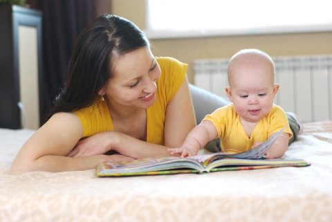 Read short poems about animals with your baby