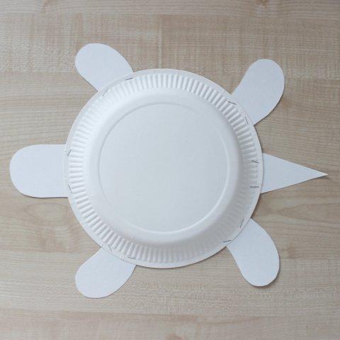 черепаха из одноразовой тарелки
