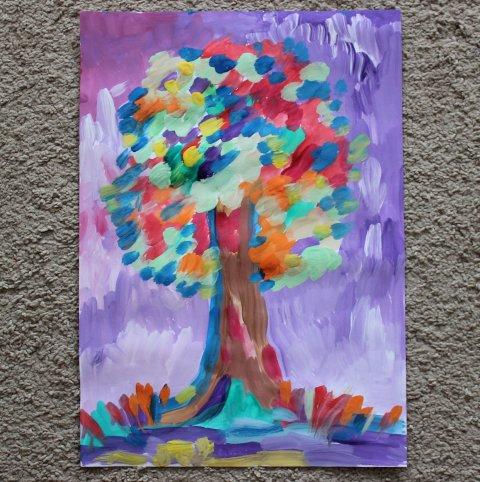 Предложите ребенку нарисовать осеннее дерево