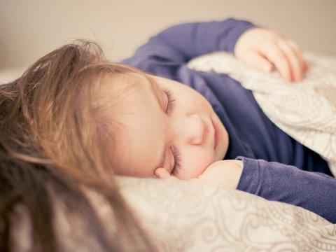 лайфхак как научить ребенка засыпать без слез