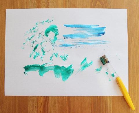 как нарисовать картину с помощью зубных щеток вместе с ребенком