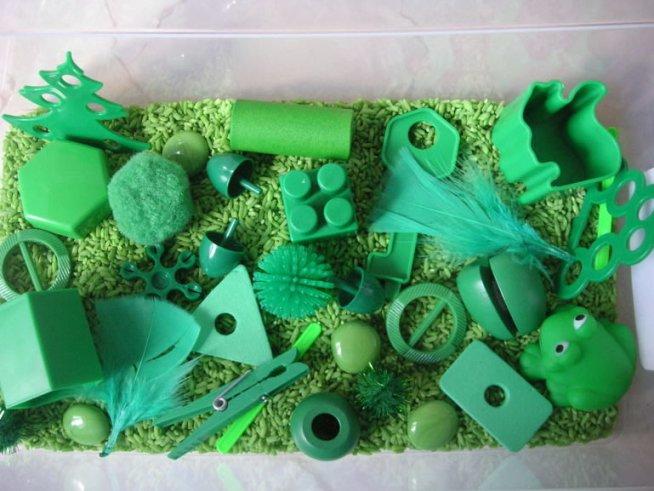 Зеленая сенсорная коробочка