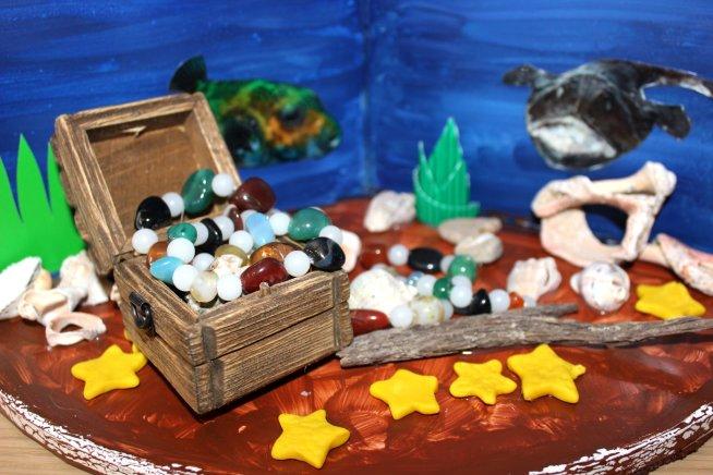 "Fascinating ""Underwater World"" handmade by your child"