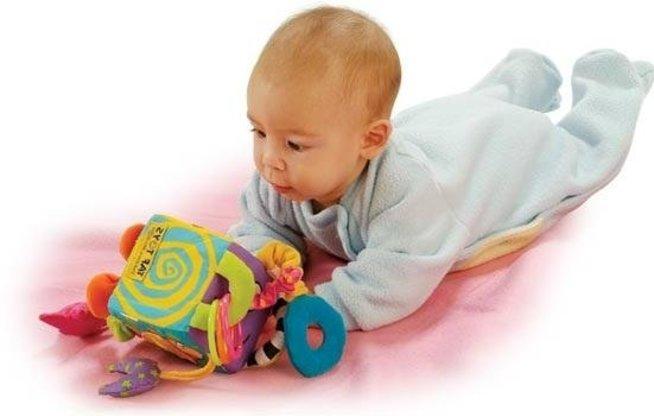 Двигательное развитие ребенка в 6 месяцев