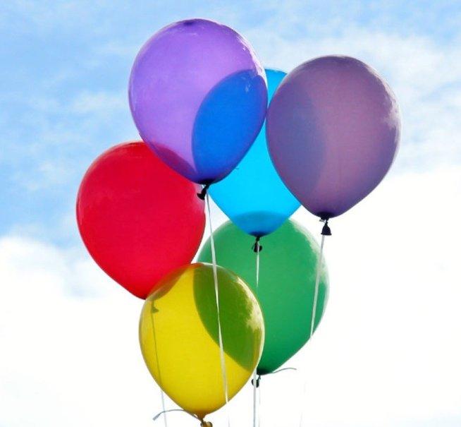 Поиграйте с воздушным шариком