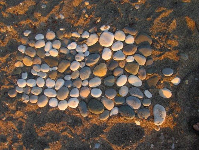 Игра на меткость на пляже