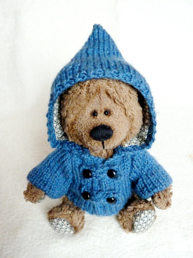 Clothes for teddy bear