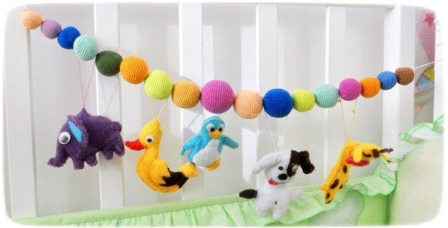 Гирлянда из шариков и кубиков