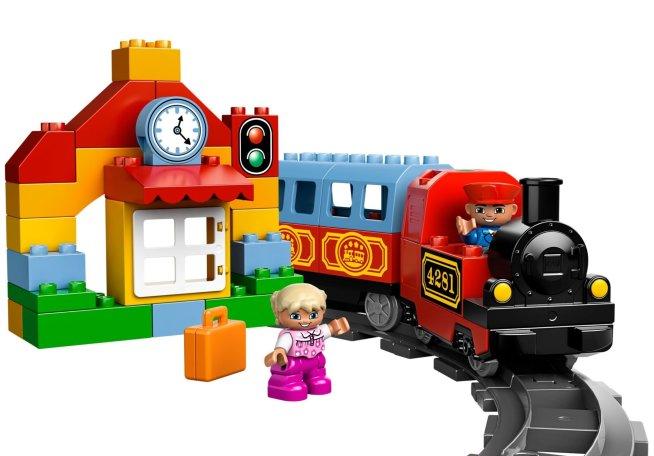Вокзал и поезд для малыша