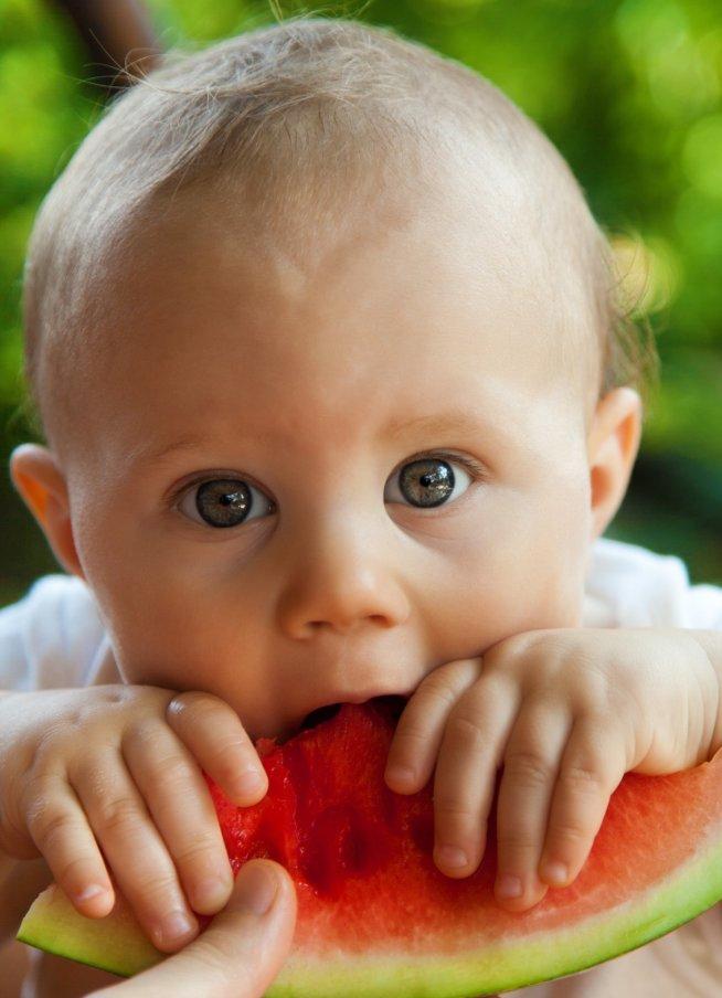 Как кормить малыша летом