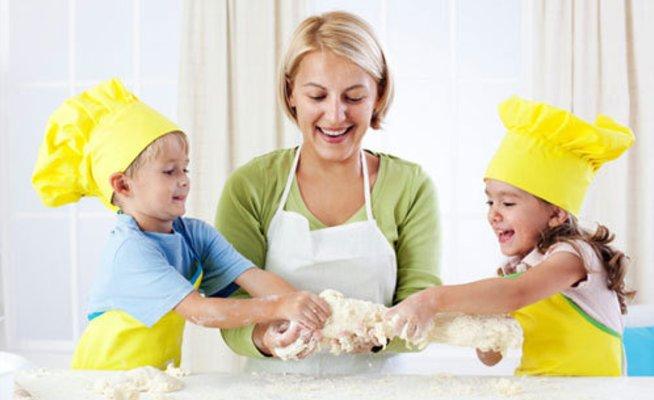 Приготовьте с малышом блюдо из теста