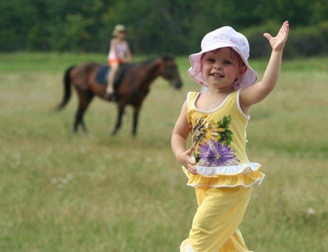 Весёлые танцы для развития малыша