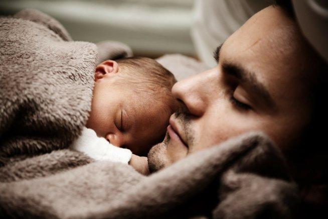 Спать ли вместе с малышом