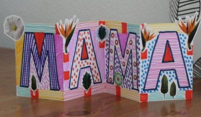 Открытка-гармошка для мамы на 8 марта