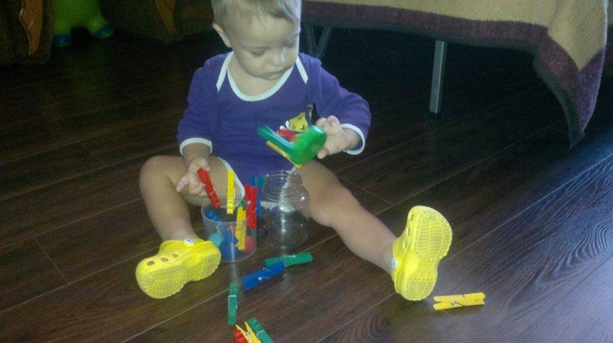 Отчёт по занятию Предложите малышу поиграть с прищепкам в Wachanga!