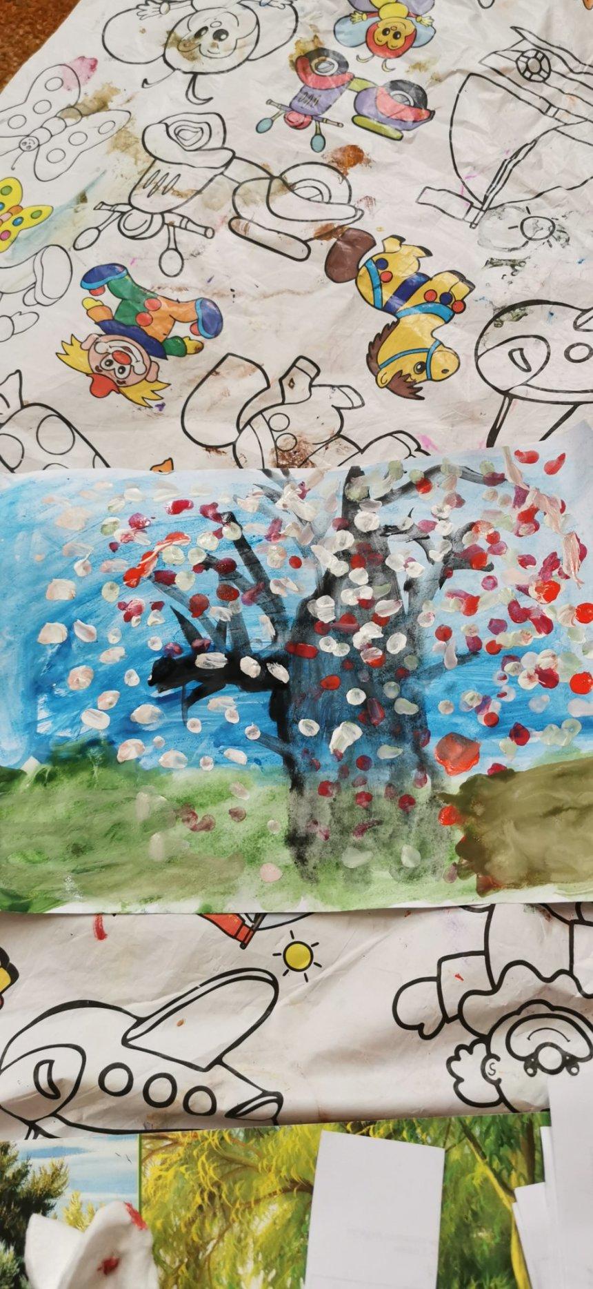 Отчёт по занятию Нарисуйте вместе с ребёнком цветущую вишню в Wachanga!