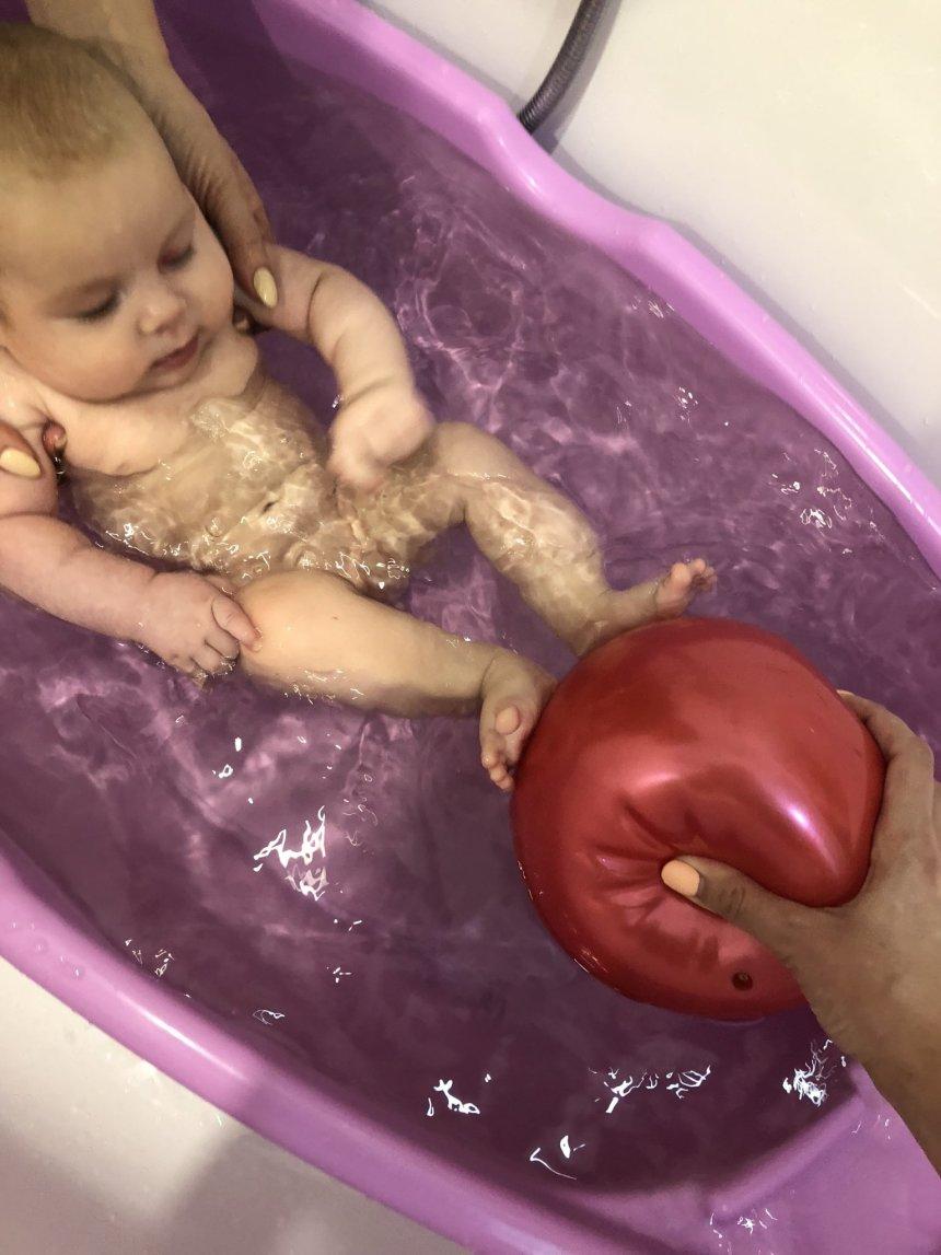 Отчёт по занятию Поиграйте с малышом в игру «Мячики в воде»  в Wachanga!