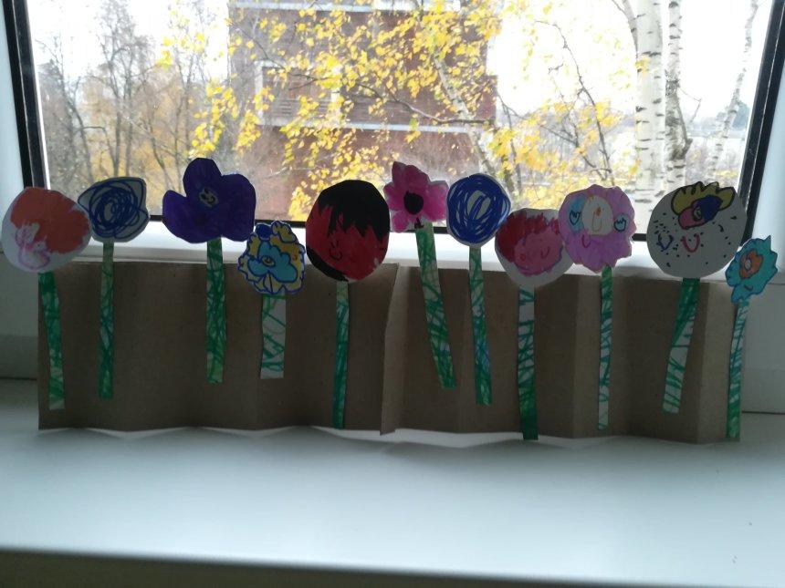 Отчёт по занятию Сделайте клумбу с цветами из бумаги и картона в Wachanga!